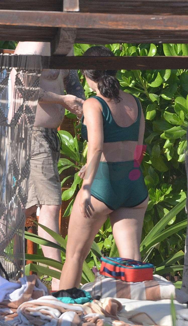 Ximena Sariñana en bikini