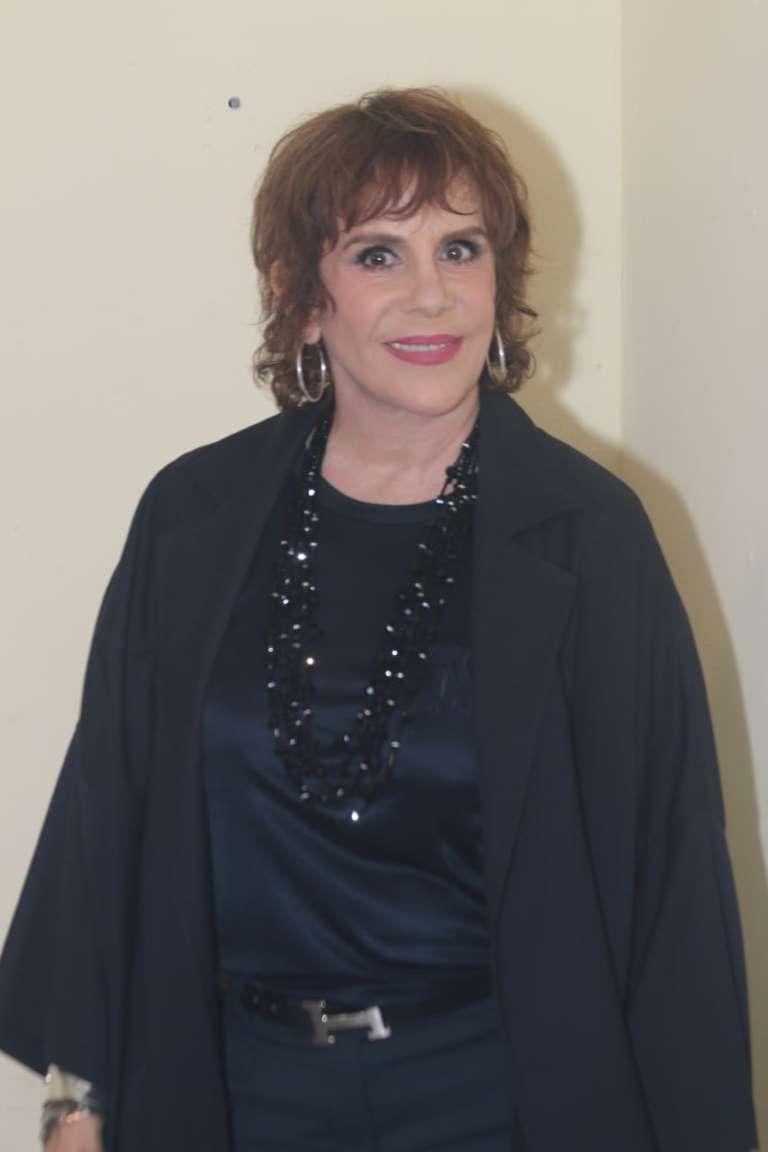 Rebeca Jones madrina de Agotados